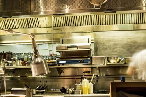 Filtri e accessori per filtrazione aria in ristorazione